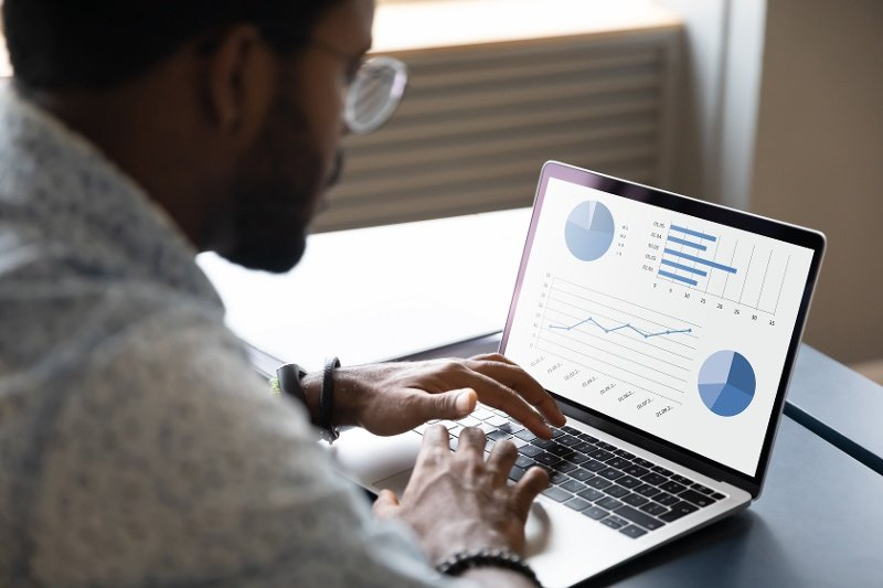 5 Features You Need to Have in an Effective Sales CRM